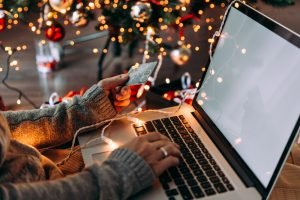 Small business e-commerce holiday shopping